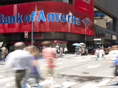Das Logo der Bank of America am New Yorker Times Square.